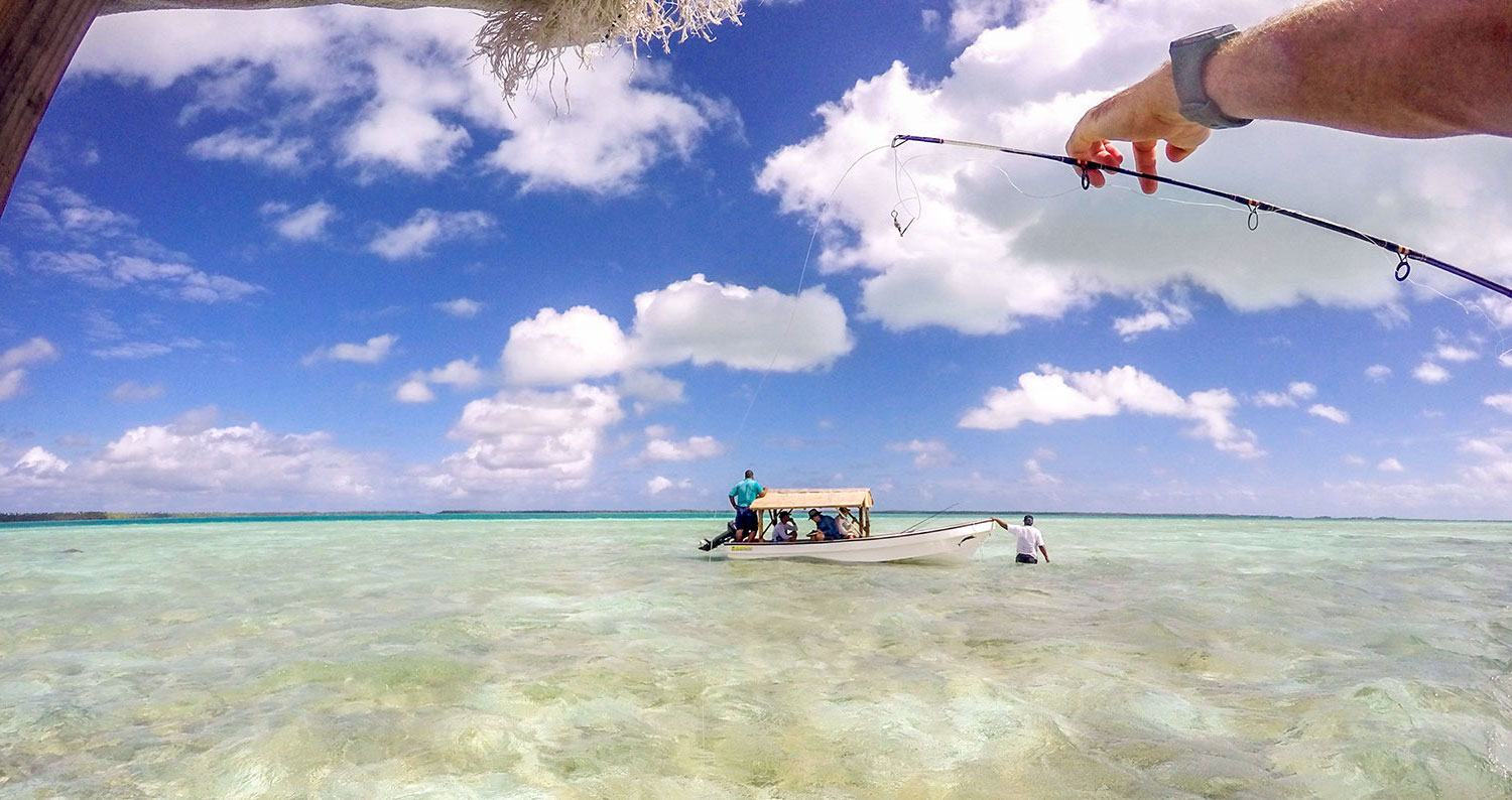 Putting out a line while we made our day across the Fanning Lagoon. Fanning Island, Pegasus Lodges.