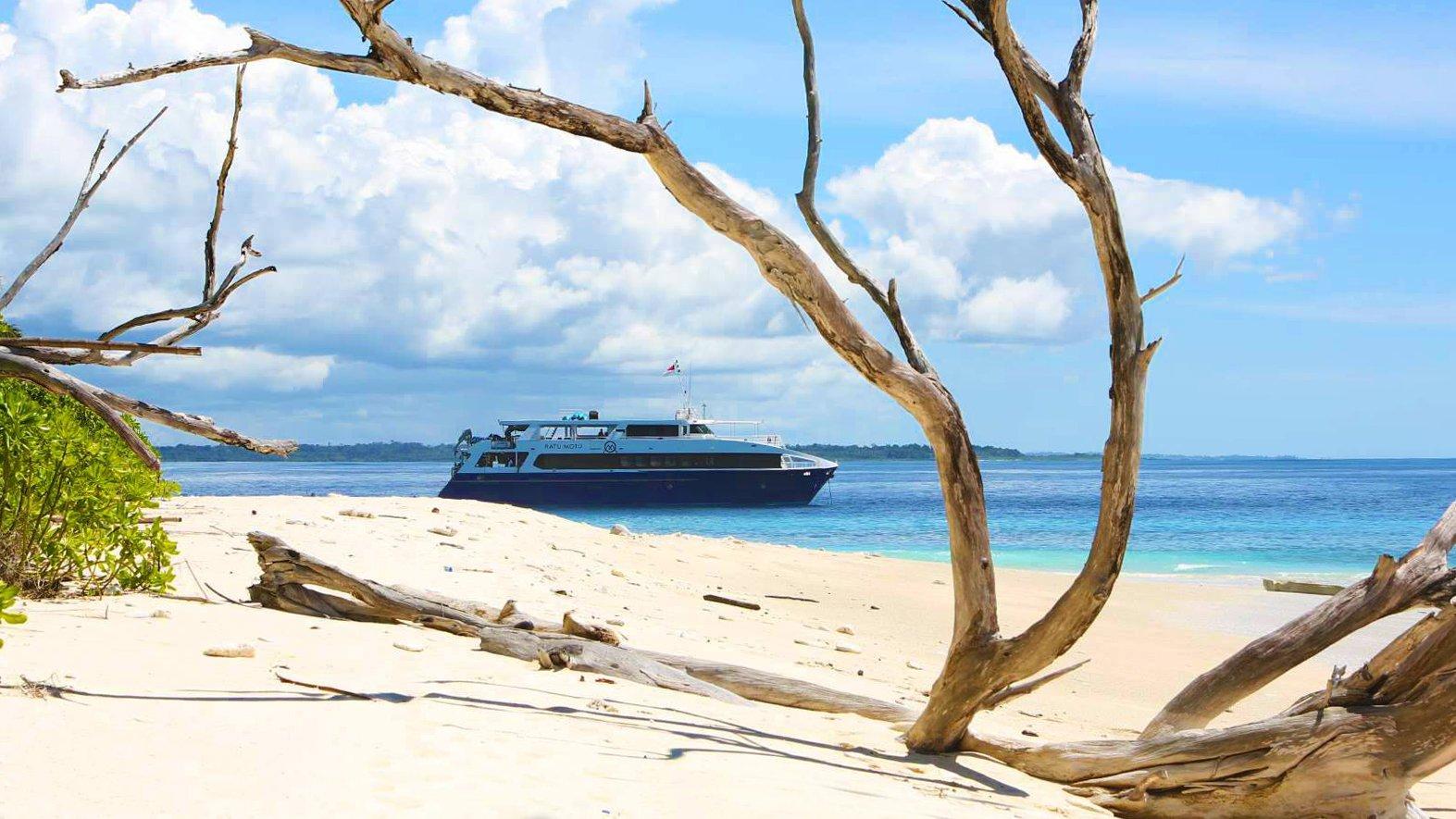 Ratu_Motu_Beach