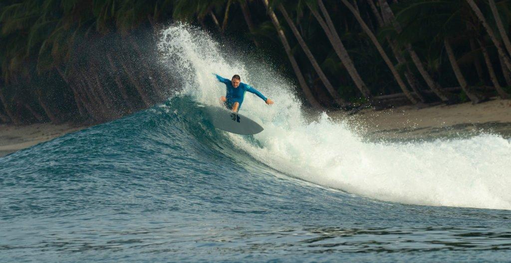 Pinnacles_North_Telo_Dave_Surfing