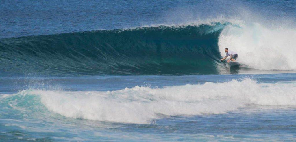 Aganoa_Lodge_Samoa_Matt_Surfing