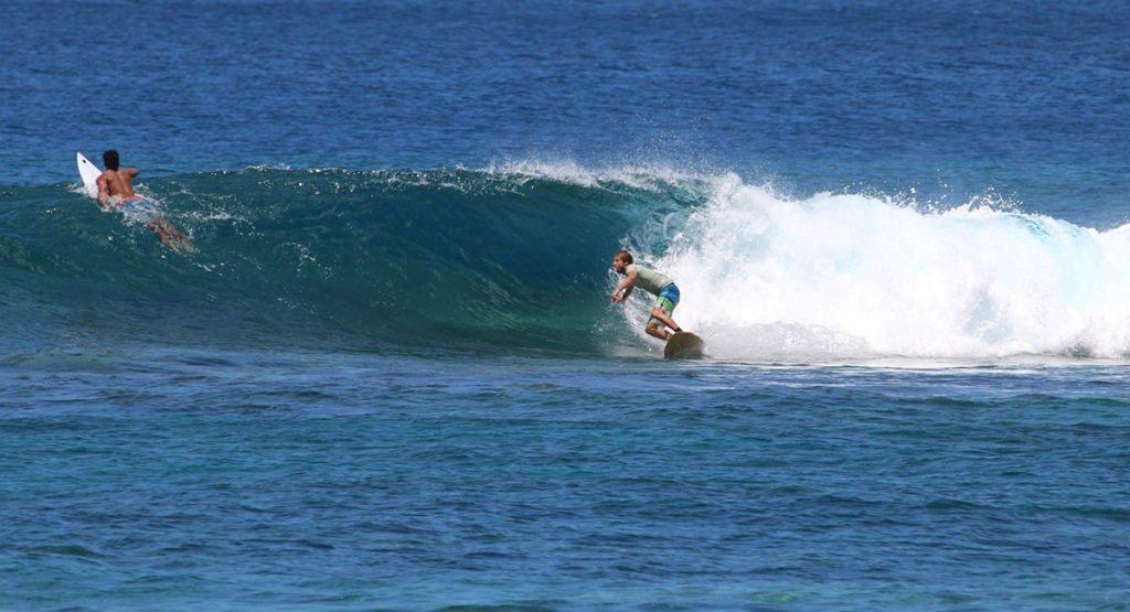 Aganoa_Lodge_Samoa_Rob_Surf_Vacation