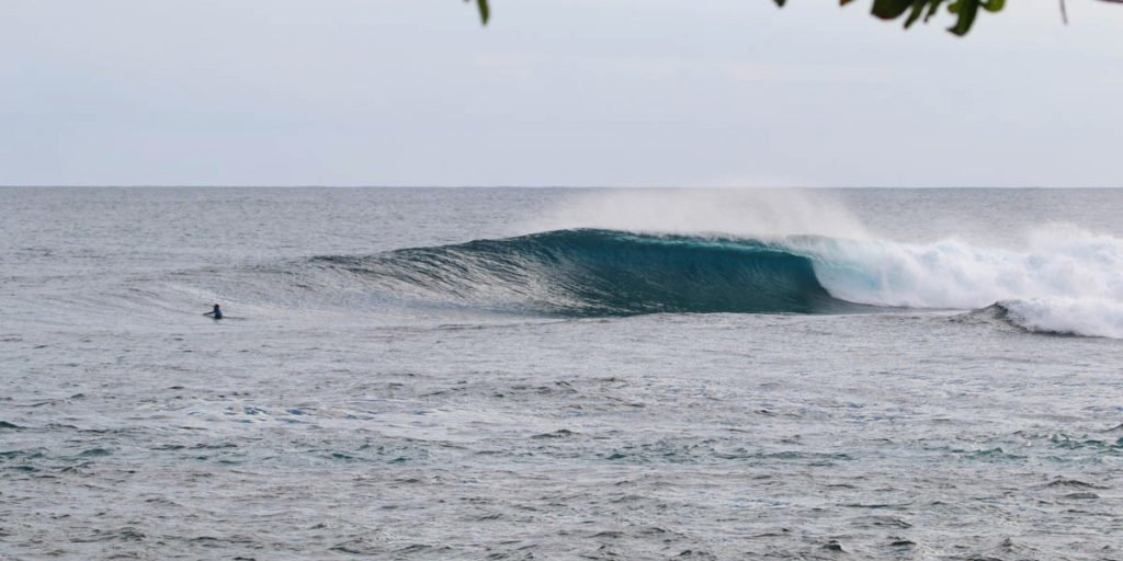 Aganoa_Lodge_Samoa_Surf_Waves