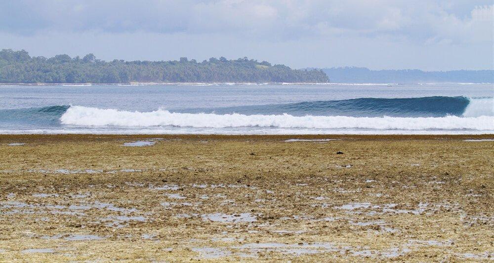 Telo_Island_Lodge_Beach