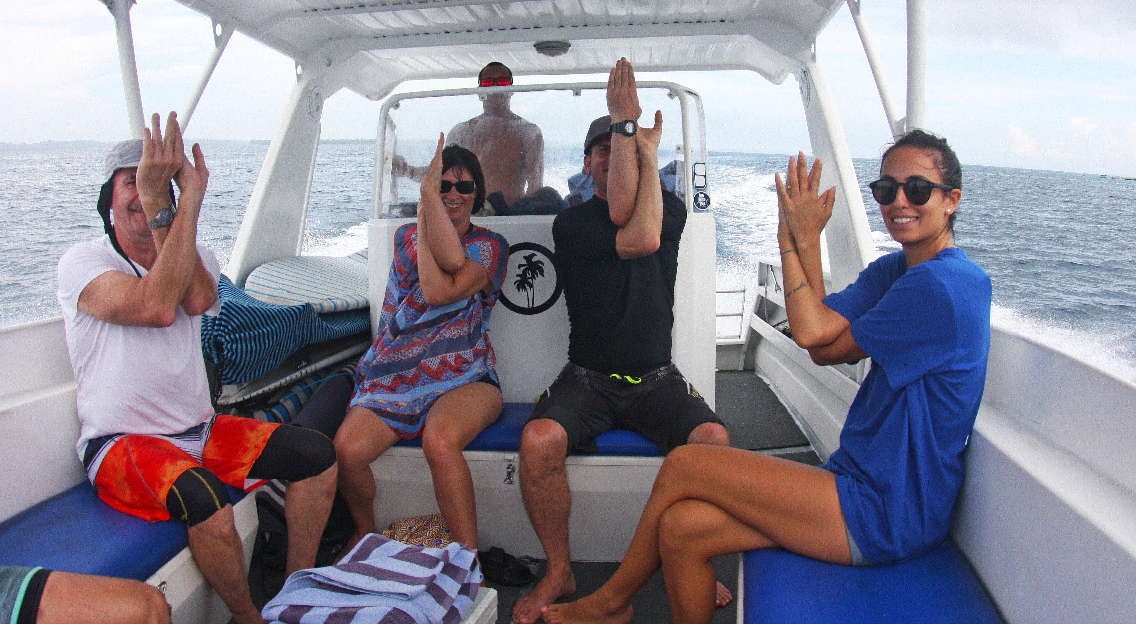 Telo_Lodge_Yoga_Boat