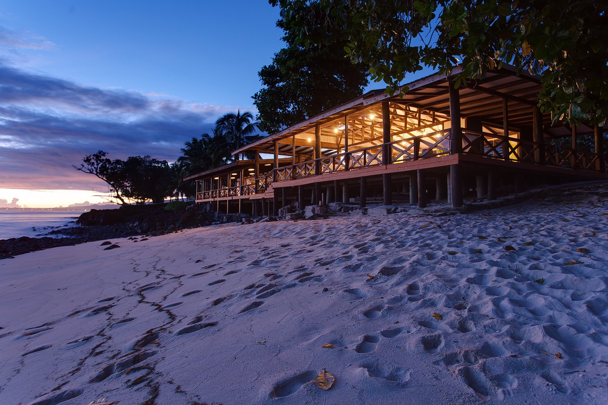 Aganoa_Lodge_Sunset