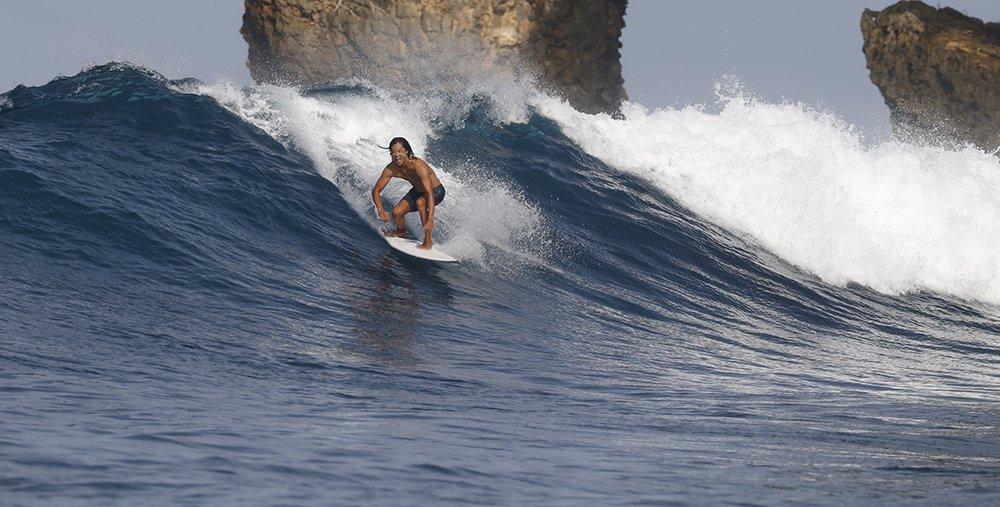 Pinnacles_Lodge_Eddie_Sun_Surf