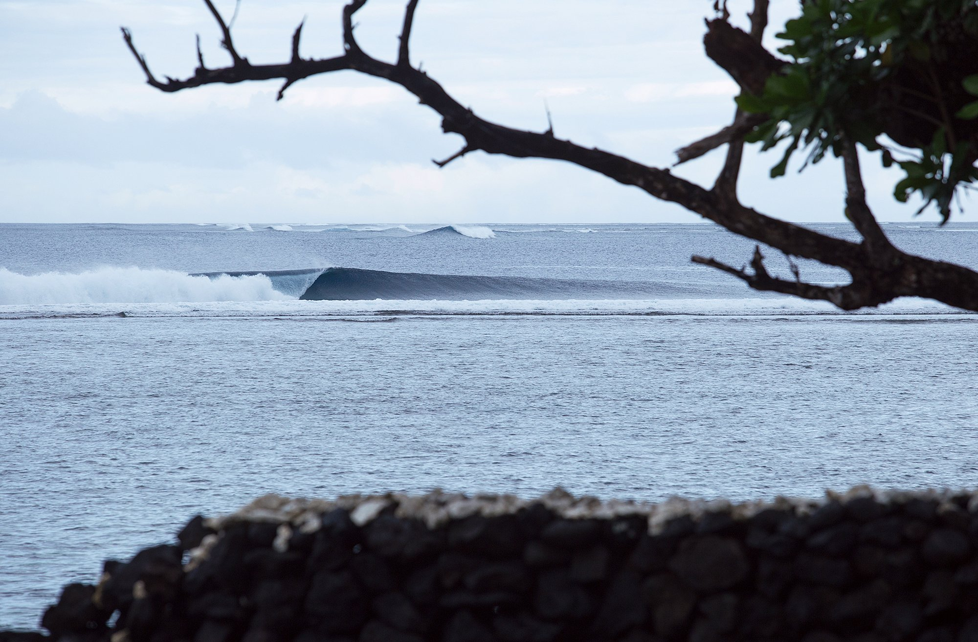 Aganoa_Lodge_Surf_Left
