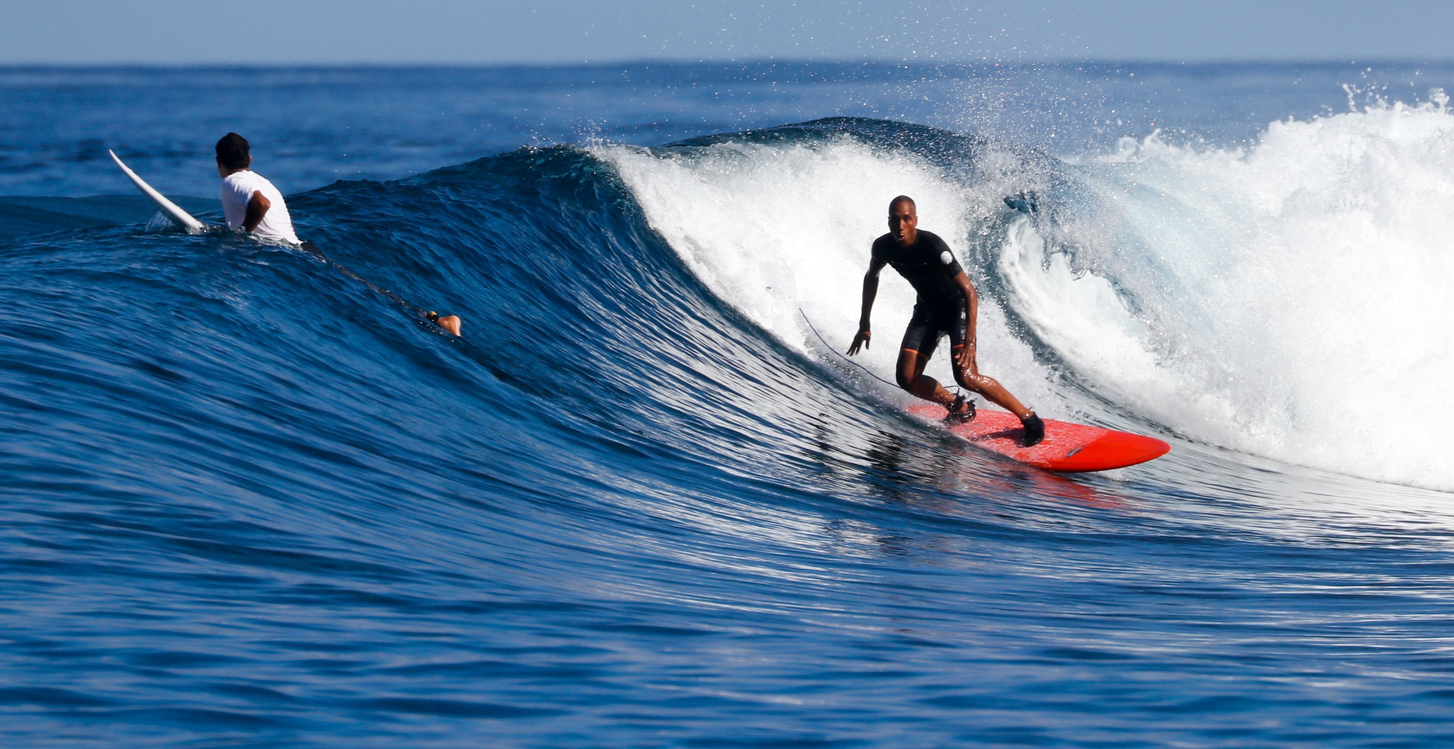 Olivier_Pinnacles_Lodge_Surf