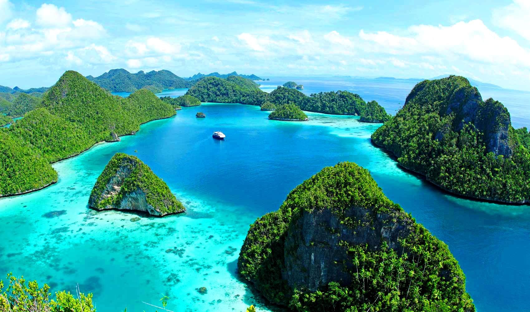 Ratu_Motu_West_Sumatra_Aerial