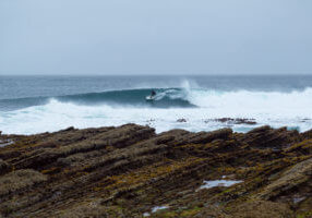 Nootka_Wilderness_Lodge_Surfing